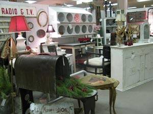 Antique Mall dealer space