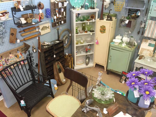 St. Charles Antique Mall Has Been Voted #1 Antique Mall In St. Charles  County Since Opening In 1994. This Store Has A Large Variety Of Antique, ...